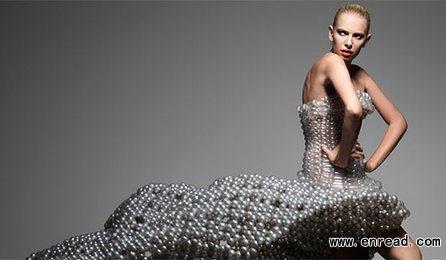 日本设计师发明超轻透明气球礼服