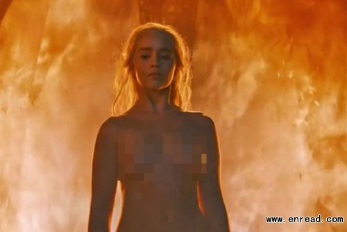 Emilia Clarke, Kit Harington. Jon Snow is alive! Awesome